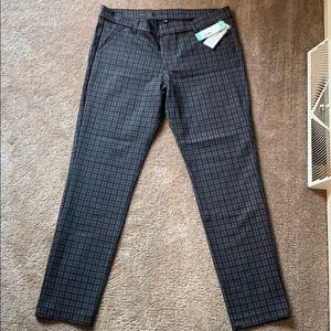 14 KUT from the Kloth Gray Slim Straight Leg Pant